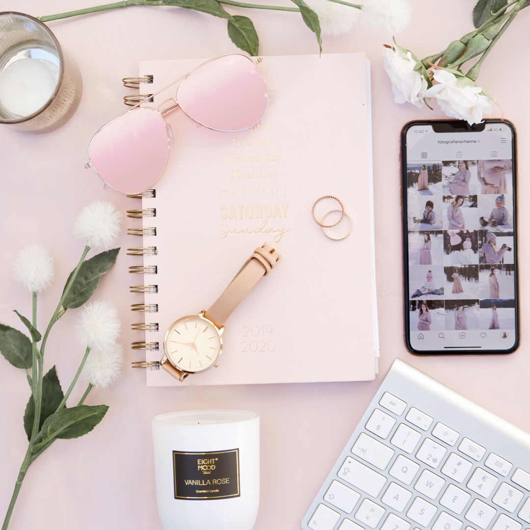 flatlay office pink